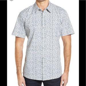 TORI RICHARD men's seashell aloha shirt. Size M